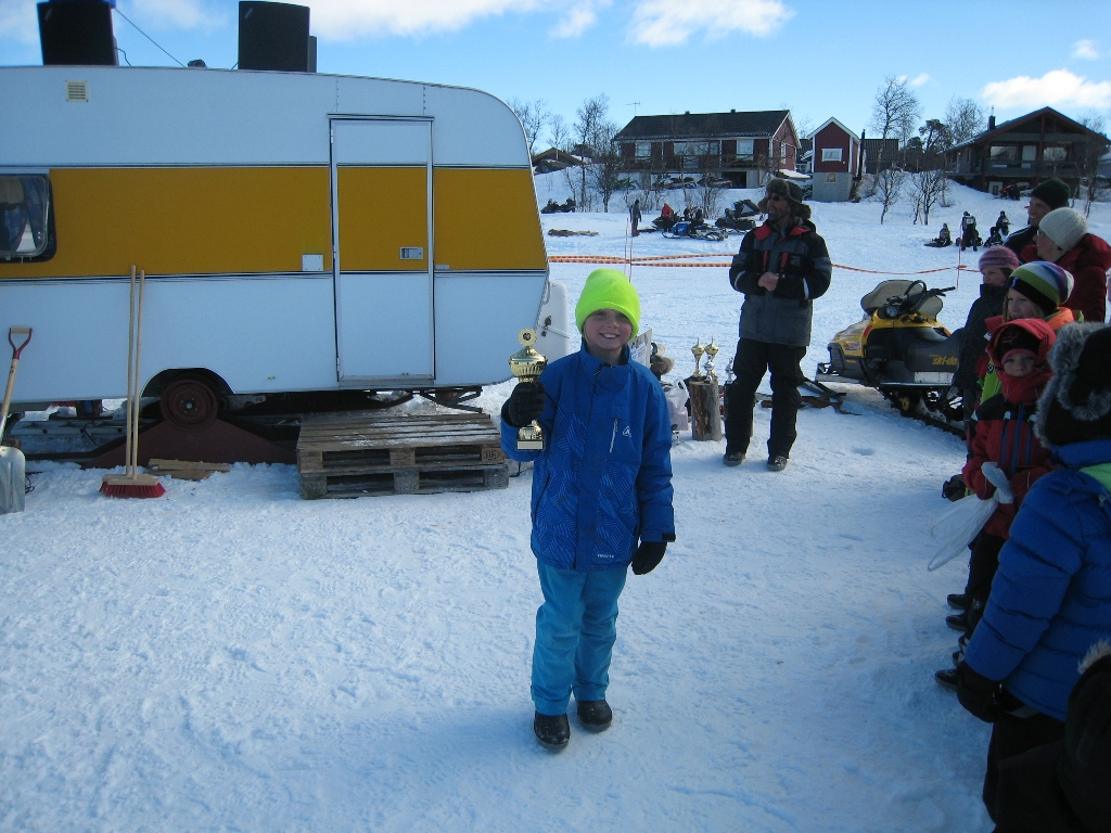 Lasse Sandlund vann barnklassen med sina två granna rödingar.